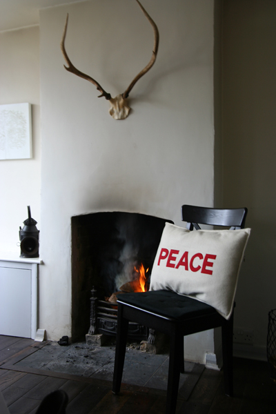 Peace cushion