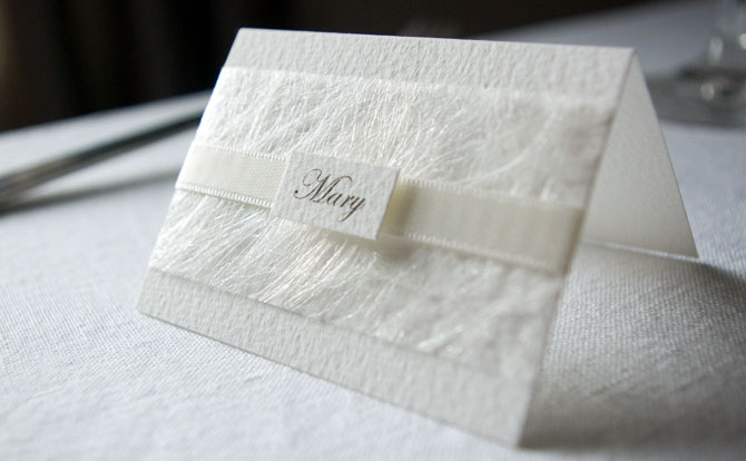 WHITE WEDDING PLACE NAME CARD